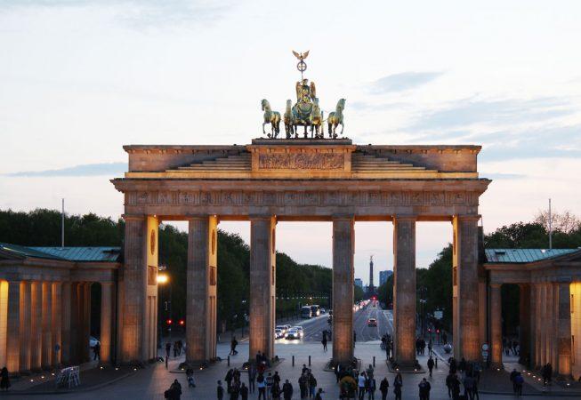 O Portão de Brandemburgo, o maior símbolo alemão na Pariser Platz (Foto:Dulcineia Gomes)